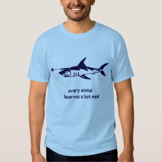 Tubarão com o raio laser unido a sua cabeça camisetas