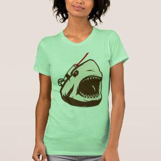 Tubarão com um raio laser de Frickin Camisetas
