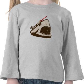 Tubarão com um raio laser de Frickin T-shirts