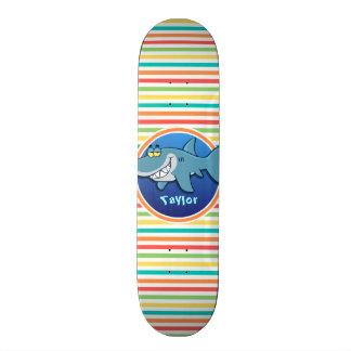 Tubarão; Listras brilhantes do arco-íris Shape De Skate 18,4cm