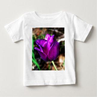 Tulipa roxa do cetim t-shirts