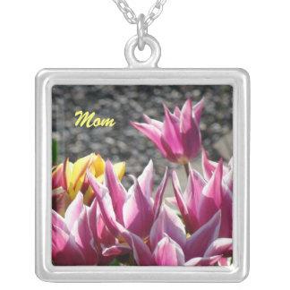Tulipas dos presentes da mãe da prata esterlina da colar com pendente quadrado