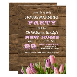 Tulipas e convite do Housewarming de Barnwood