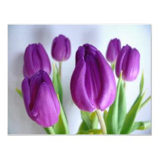 Tulipas roxas convite 10.79 x 13.97cm