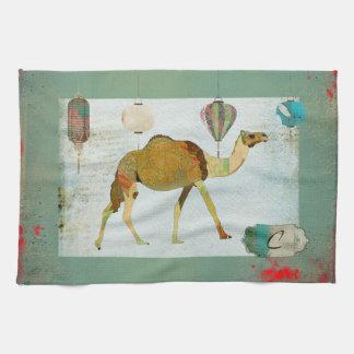 Turquesa sonhadora do monograma do camelo & toalha