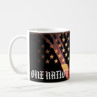 Um 4o patriótico da nação da caneca da