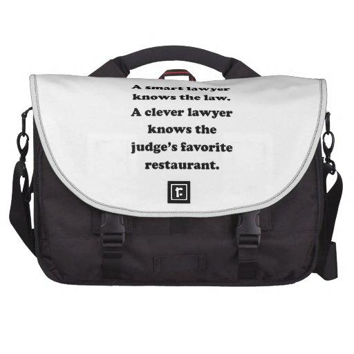 Um advogado inteligente maletas para laptop