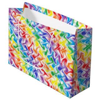 Um arco-íris desarrumado sacola para presentes grande