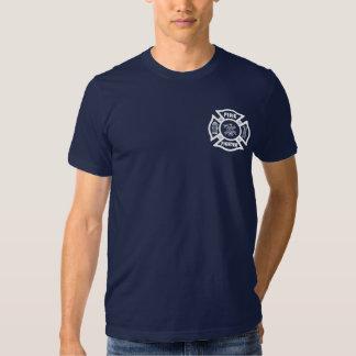 Um bombeiro maltês tshirts