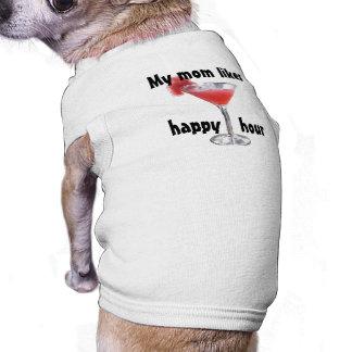 Um brinde à camiseta de cão do happy hour