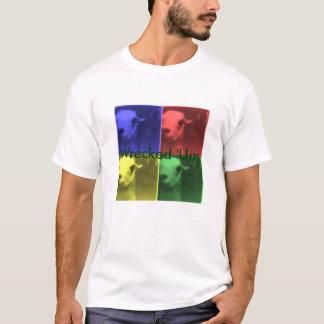 'Um camisa destruída do lama