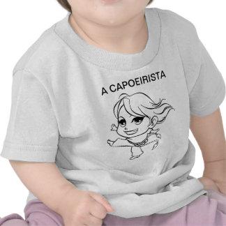 UM CAPOEIRISTA T-SHIRT