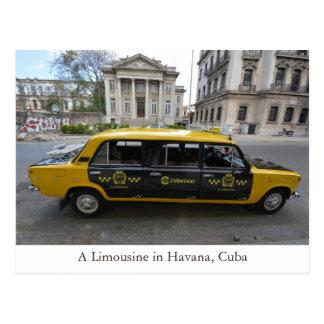 Um carro da limusina em Havana (Habana) Cuba Cartão Postal