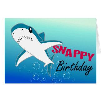 Um cartão colorido do feliz aniversario do