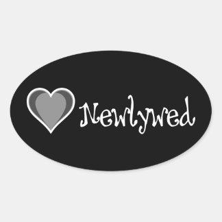 Um coração - Newlywed - preto & branco Adesivo Oval