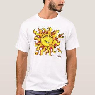 Um desenho feliz de um sol com um sorriso grande! camiseta