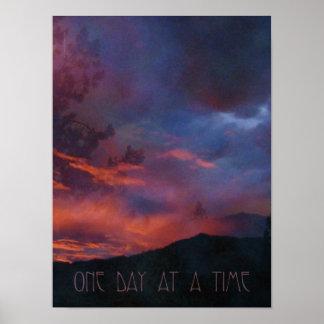 Um dia em um poster quieto do nascer do sol do tem