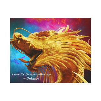 Um dragão dourado na lona envolvida impressão em tela