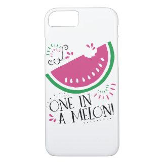 Um em umas capas de iphone da melancia do melão