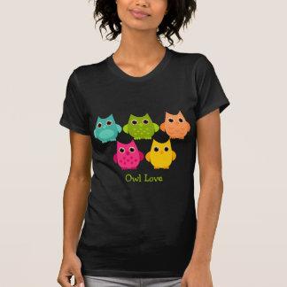 Um grupo brilhante das corujas t-shirts