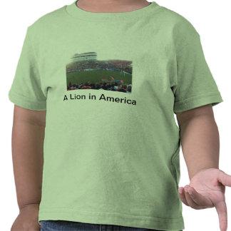 Um leão na camisa de América t T-shirt