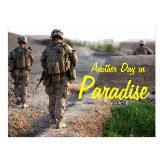 Um outro dia no cartão de Afeganistão do paraíso