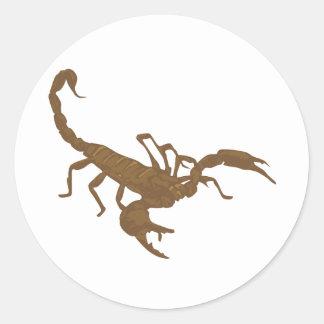 Um outro escorpião de Brown Adesivos Em Formato Redondos