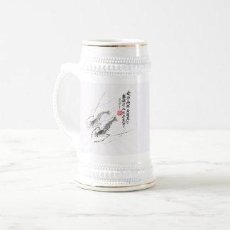Um par de caneca de cerveja da cerveja do camarão