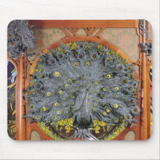Um pavão do painel central de uma pintura mural mousepad