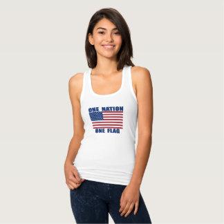 Uma bandeira da nação uma t-shirt