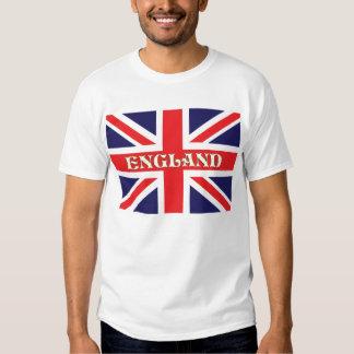 Uma bandeira de Union Jack com a Inglaterra Tshirts