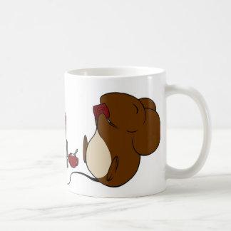 Uma caneca do conto do rato de Caffeinated