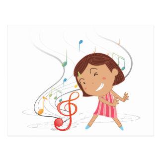 Uma dança da menina com notas musicais cartão postal