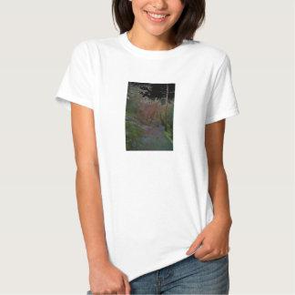 Uma floresta t-shirts