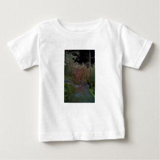 Uma floresta camisetas