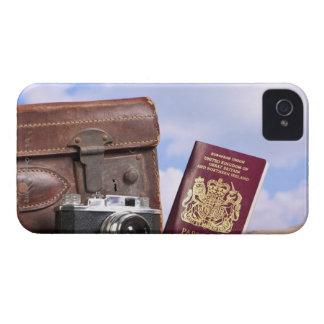 Uma mala de viagem de couro velha, uma câmera capas para iPhone 4 Case-Mate