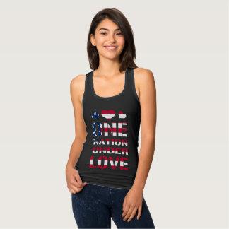 Uma nação sob o amor t-shirt