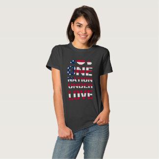 Uma nação sob o amor tshirt