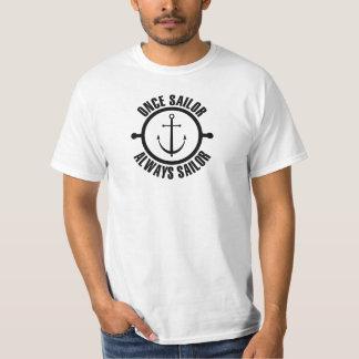 Uma vez do marinheiro cor preta do marinheiro camiseta
