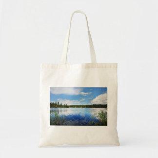 Uma vista maravilhosa do lago Saimaa de Finlandia Bolsa Tote