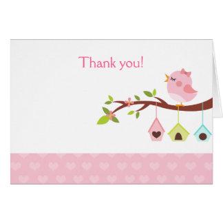 Uns cartões de agradecimentos (cor-de-rosa) pequen