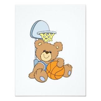 Urso bonito do basquetebol convite 10.79 x 13.97cm