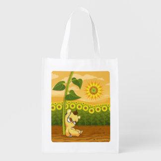 Urso bonito dos desenhos animados com girassóis sacola reusável