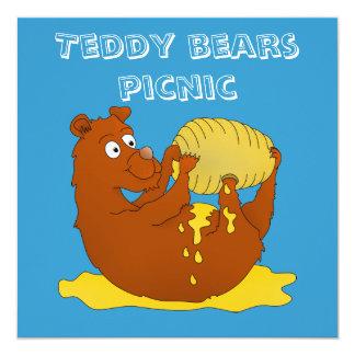 Urso bonito dos desenhos animados que come o mel convite quadrado 13.35 x 13.35cm
