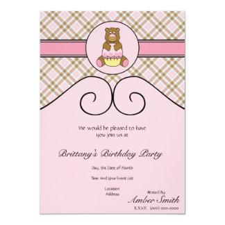 Urso com convite cor-de-rosa da xadrez do rosa do convite 12.7 x 17.78cm