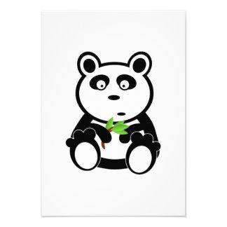 Urso de panda dos desenhos animados convite