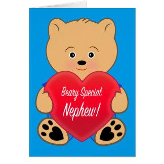 Urso de ursinho com o sobrinho do aniversário do cartão comemorativo