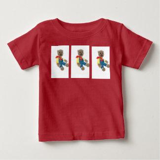 urso de ursinho com um lenço vermelho camisetas