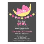 Urso de ursinho cor-de-rosa da menina do sono no convites personalizado