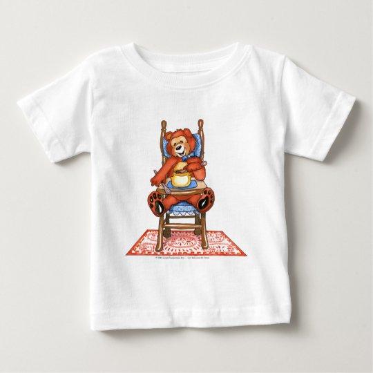 Urso de Zachary em uma cadeira alta Camiseta Para Bebê